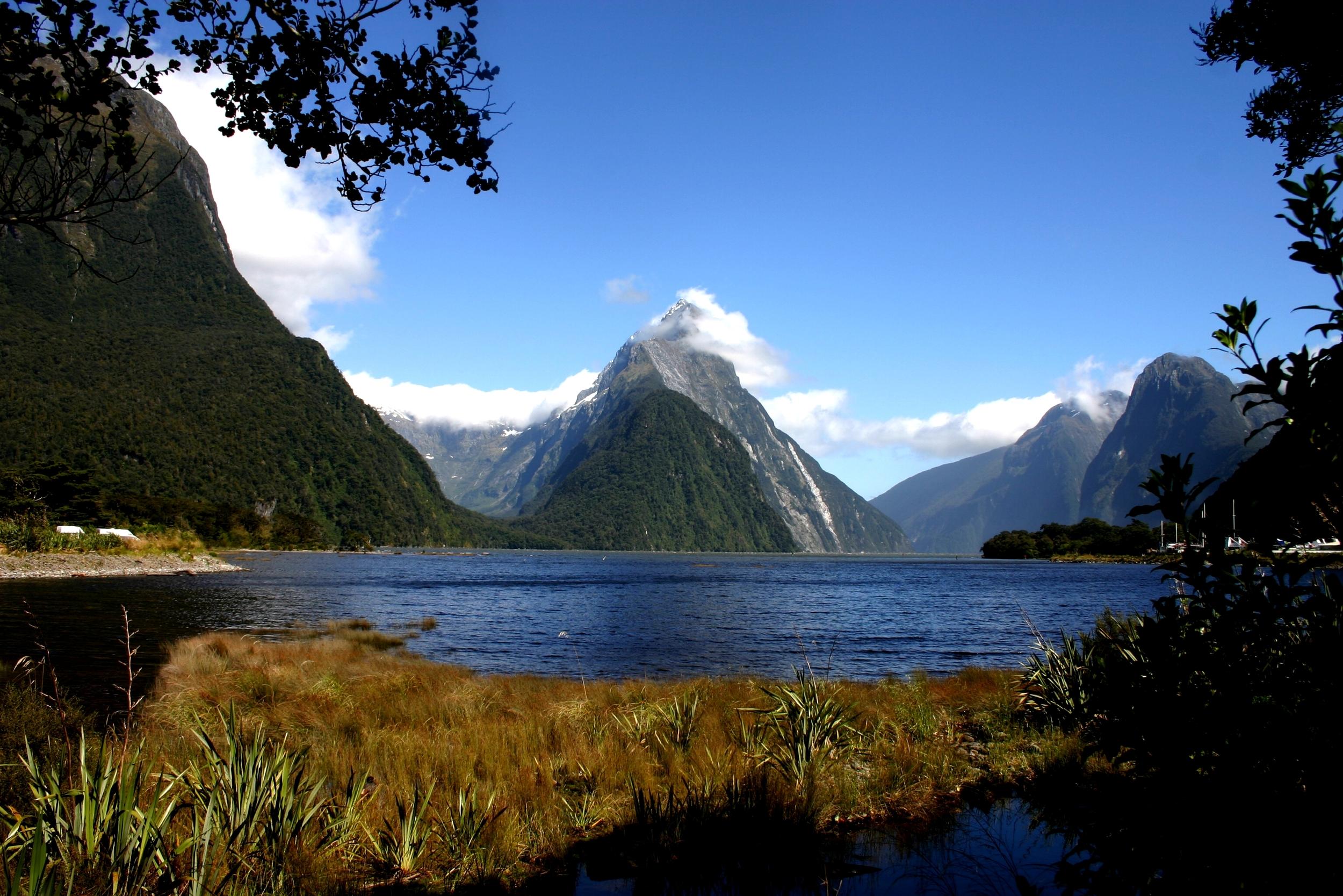 johner-milford-sound-NZ.jpg