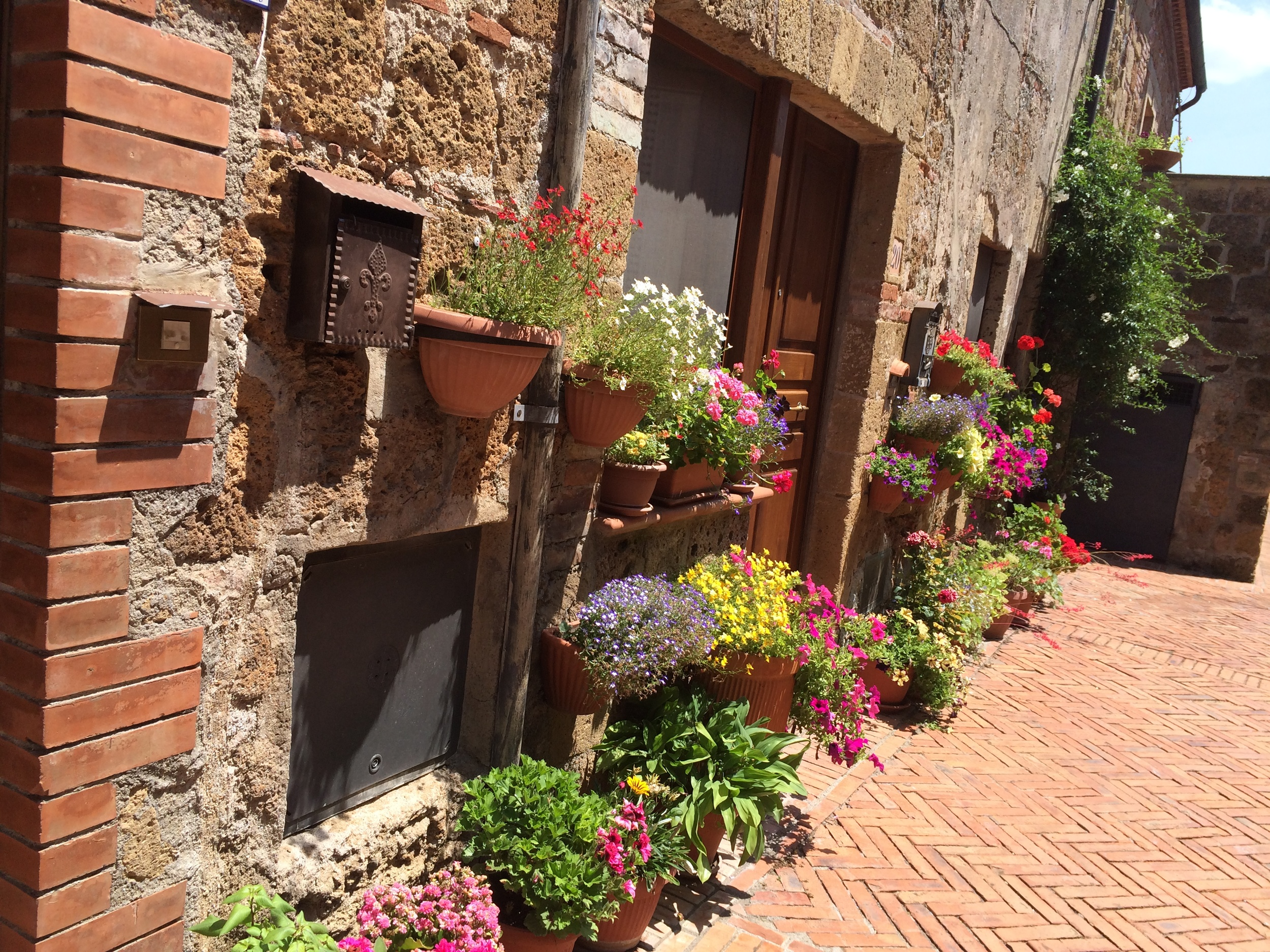 Street scene from Sovana - the brick was laid in a Medici herringbone pattern