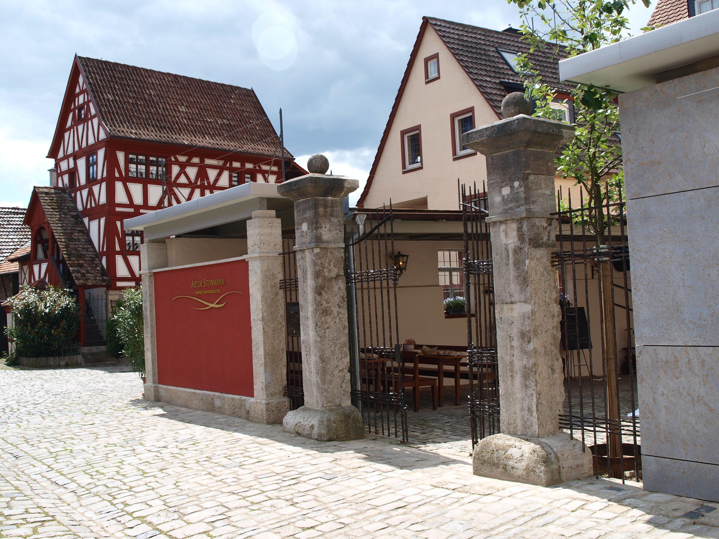 Sommerhausen-steinmann-Pastoriushaus memorial.jpg