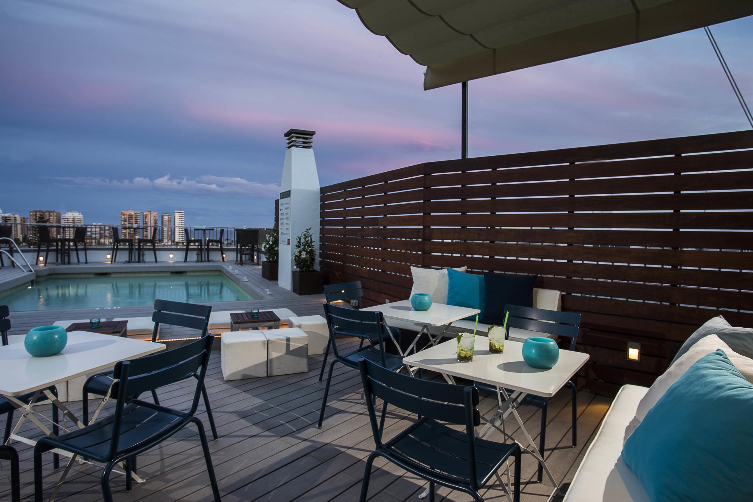 Piscina Lounge_Terraza Hotel Molina Lario 3.jpg