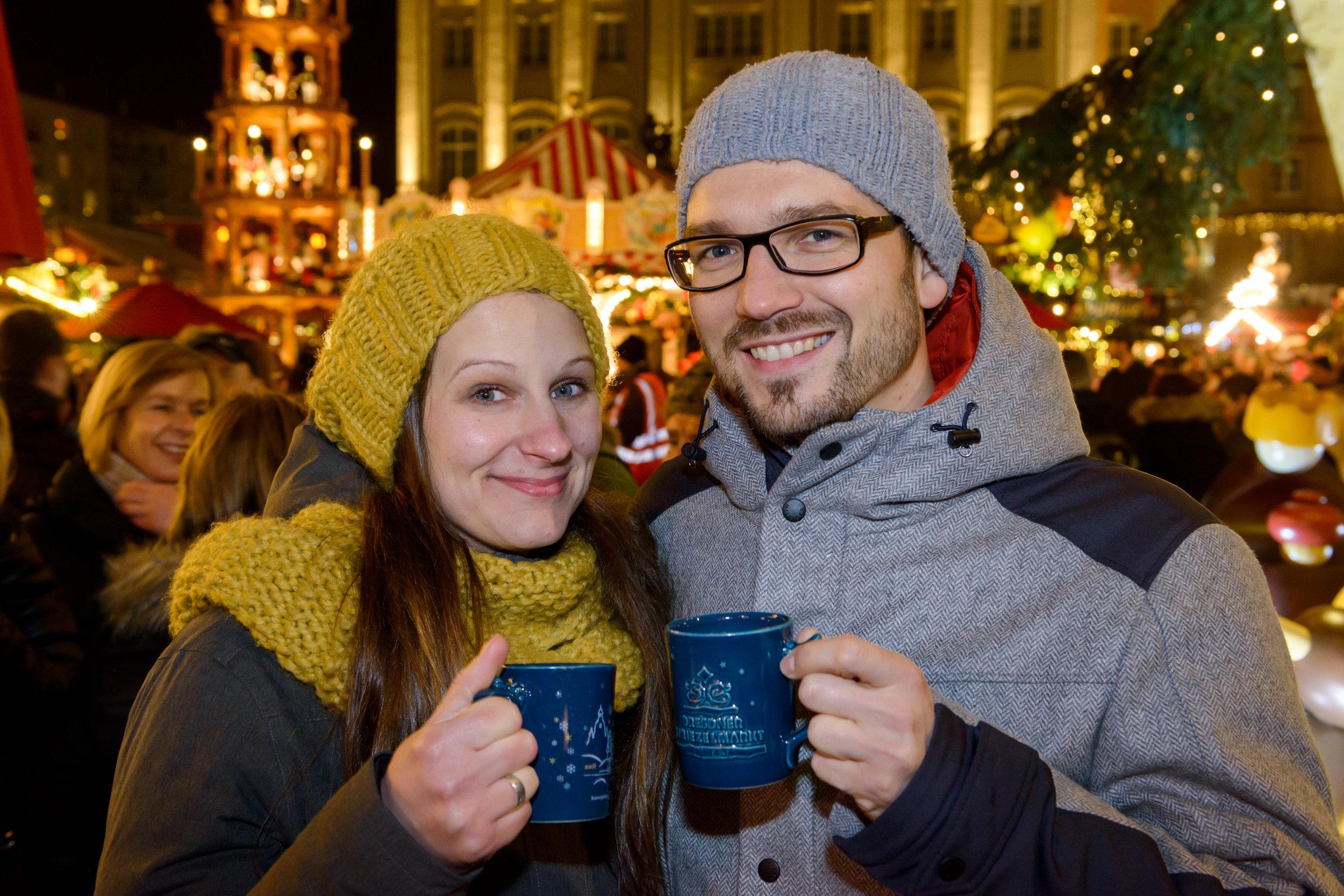 Enjoying Wine at the Christmas Market | Photo Credit: Landeshauptstadt Dresden/Frank Grätz