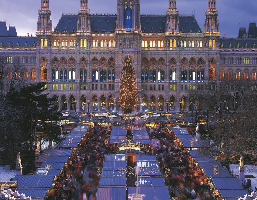 Christmas Market in Vienna | Photo Credit: Popp G.