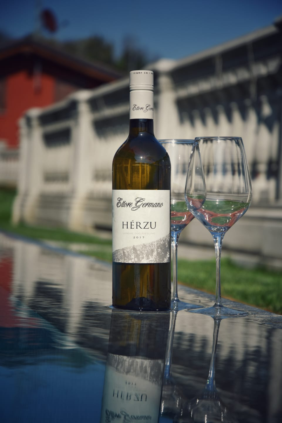 Nothing better than having a bottle of Langhe Riesling by the pool.