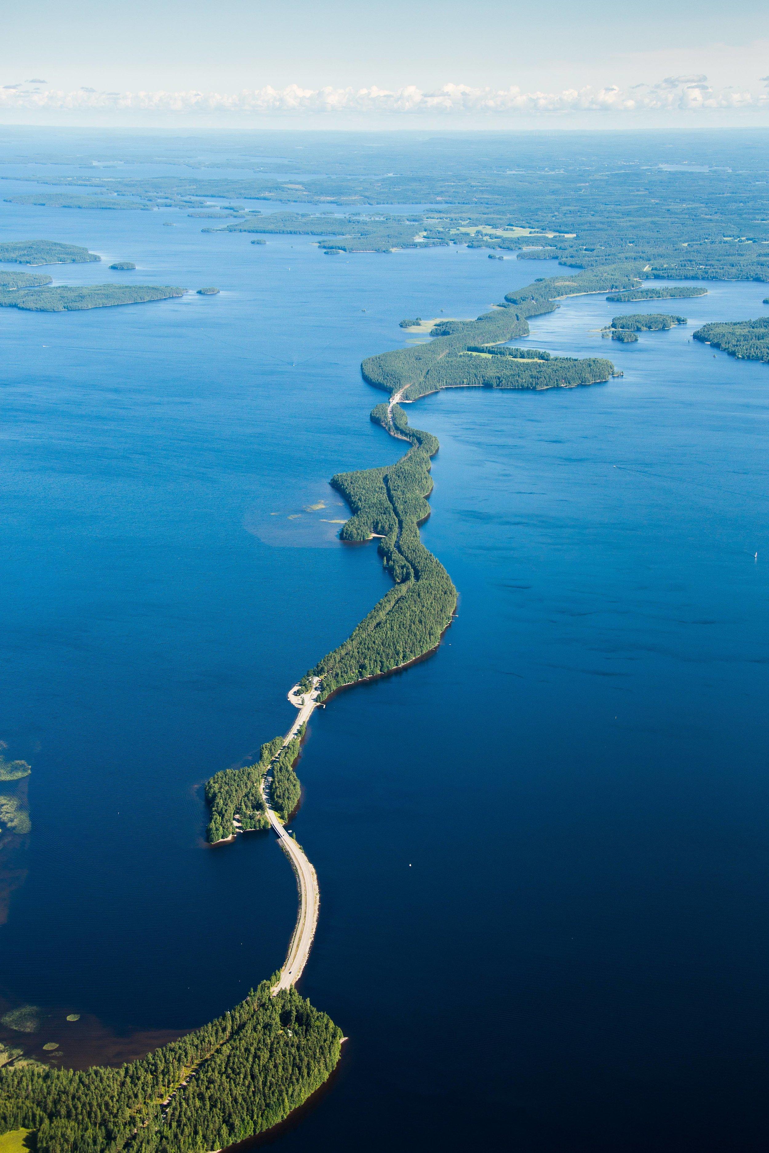 Asikkala Pulkkilanharju causeway through the lake region. Photo credit: Asikkala municipality