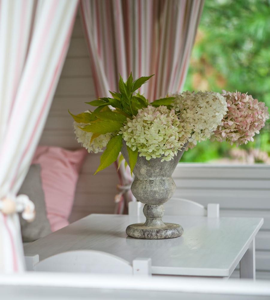 floral-enhanced-inspiring-interior-decor-46113699.jpgfloral-enhanced-inspiring-interior-decor-46113699-1500px.jpg