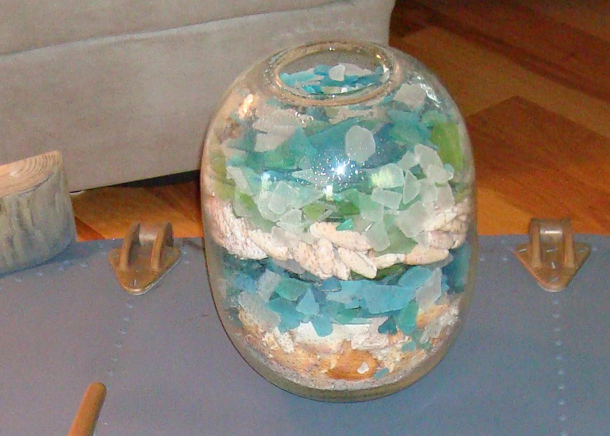 island-beach-house-renovation-blue-green-aqua-seaglass-in-glass-vase-10-detail.jpg