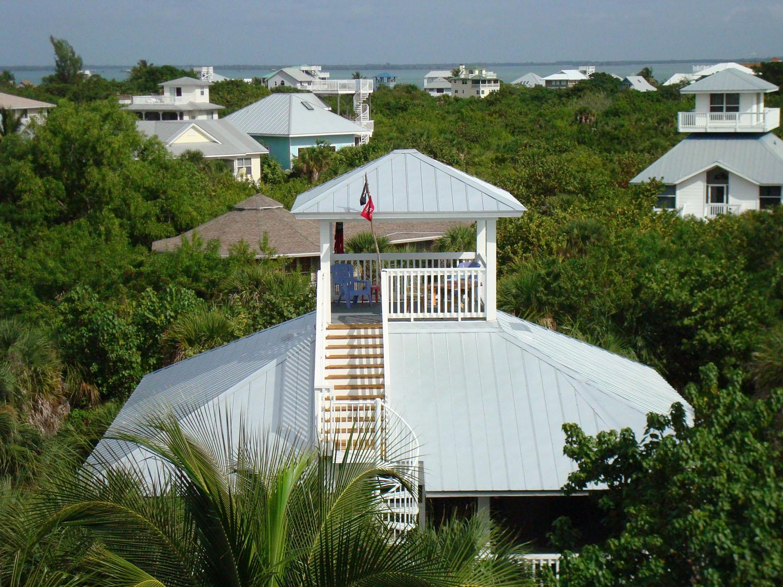 island-beach-house-renovation-outside-view-with-horizon-12.jpg