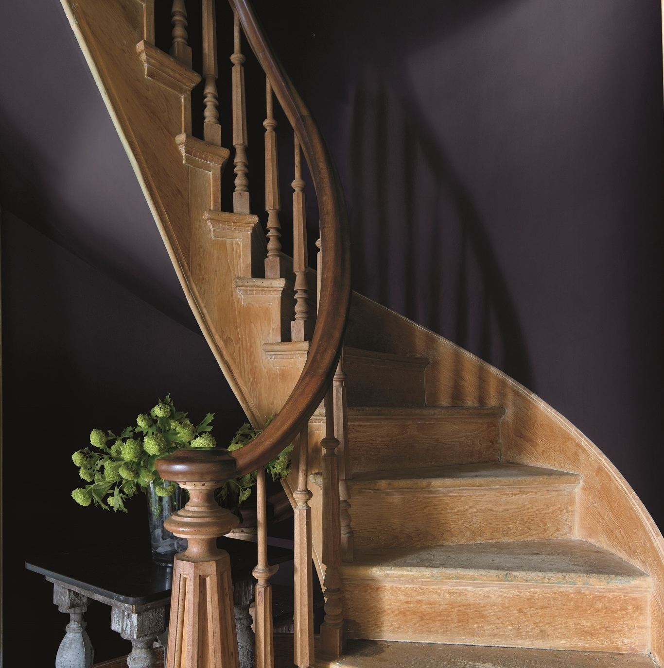 Shadow, Benjamin Moore's Color of the Year, makes a dramatic statement in an entry. Photo: courtesy of Benjamin Moore.