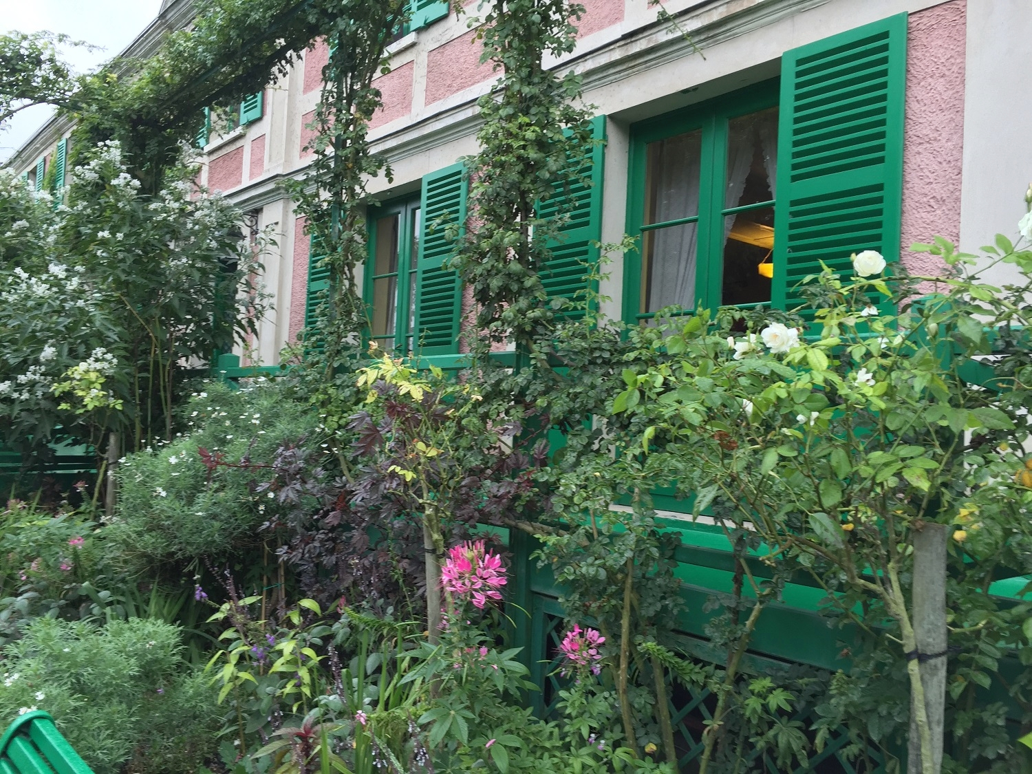 Claude-Monet-home-at-giverny