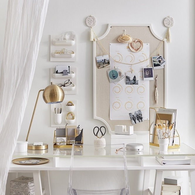 No nails wall décor makes decorating a snap with a scallop framed pin board and wall organizers. Photo: Pottery Barn