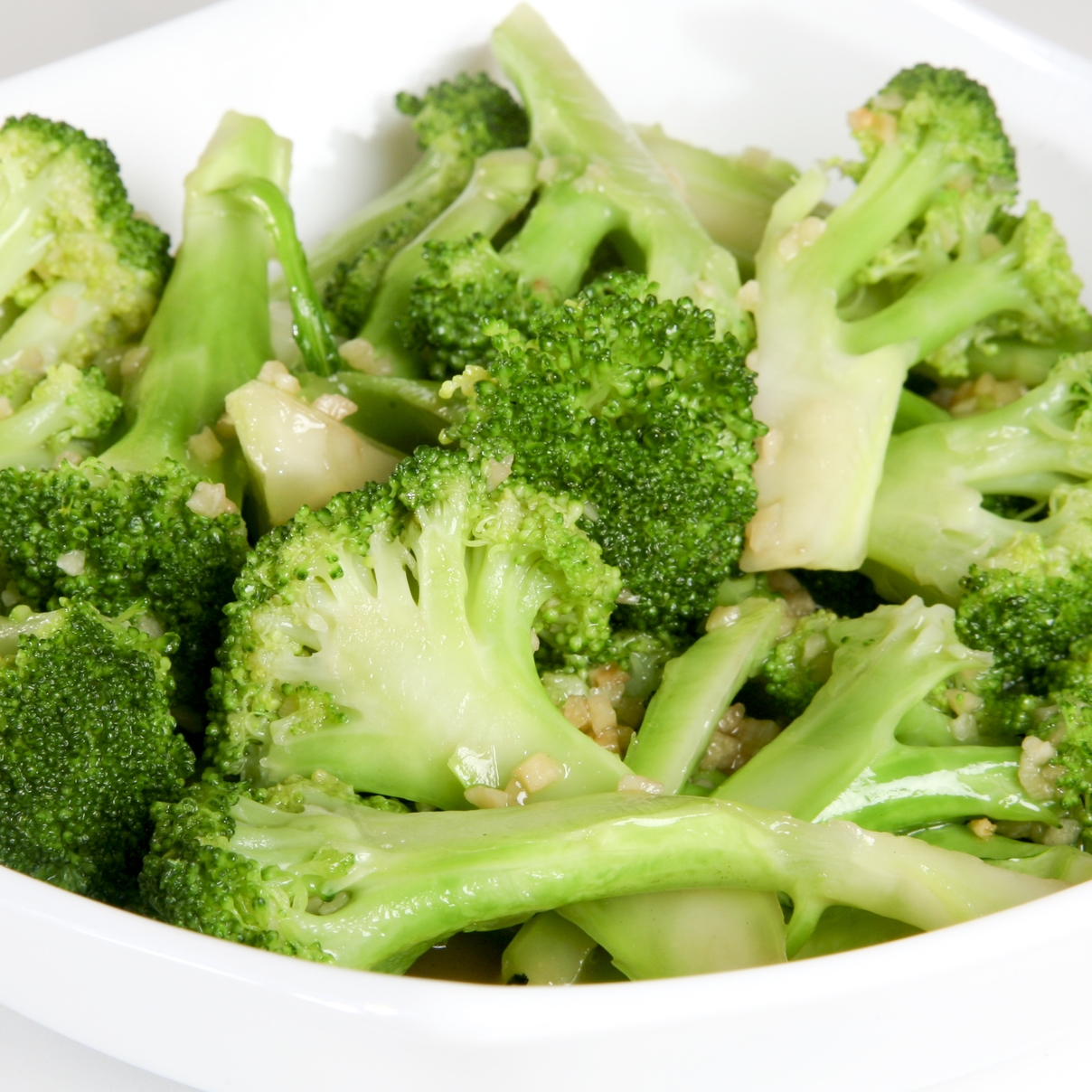 Broccoli Sautéed with Garlic Sauce