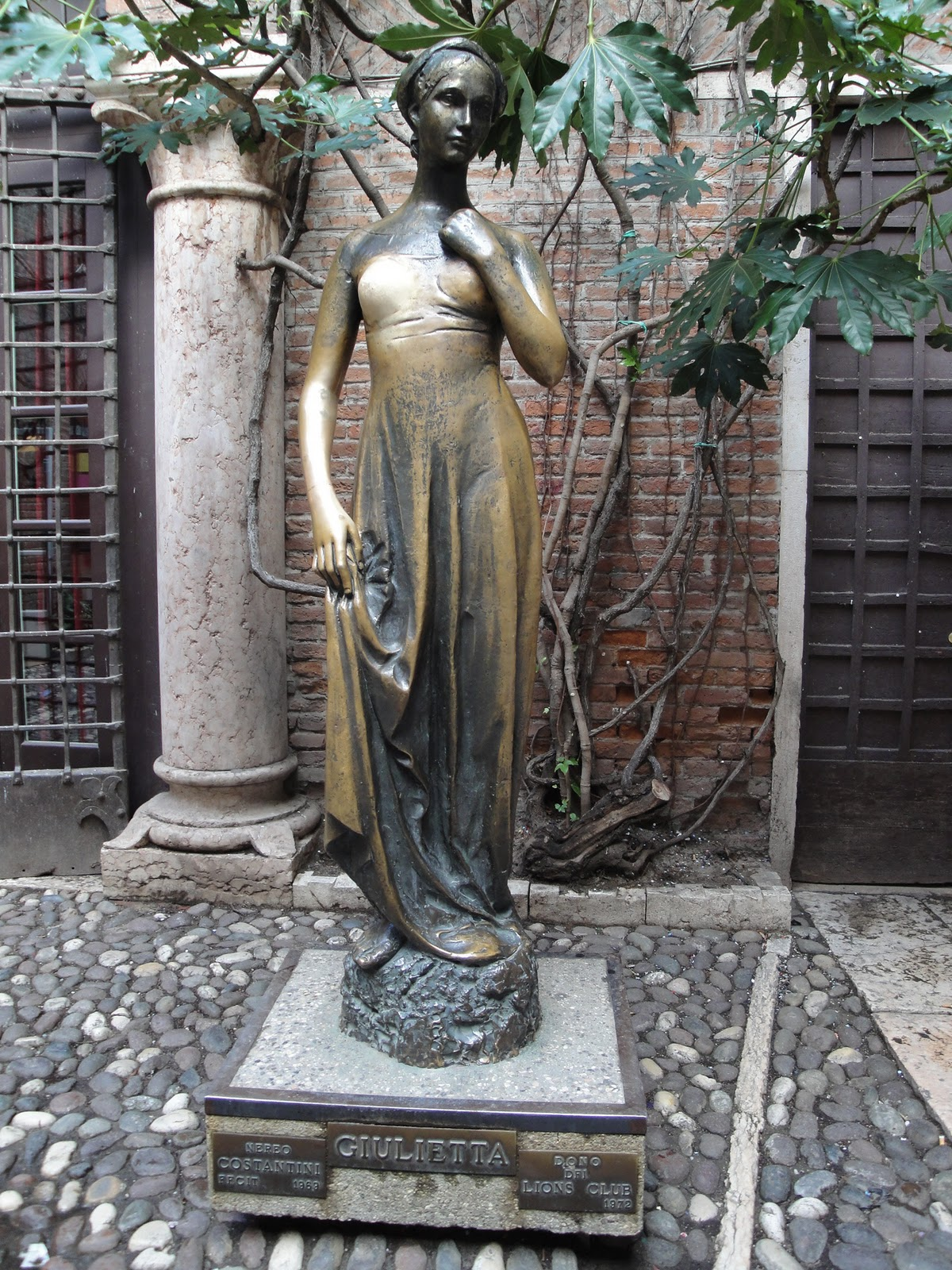 Statue of Juliet, Verona Italy