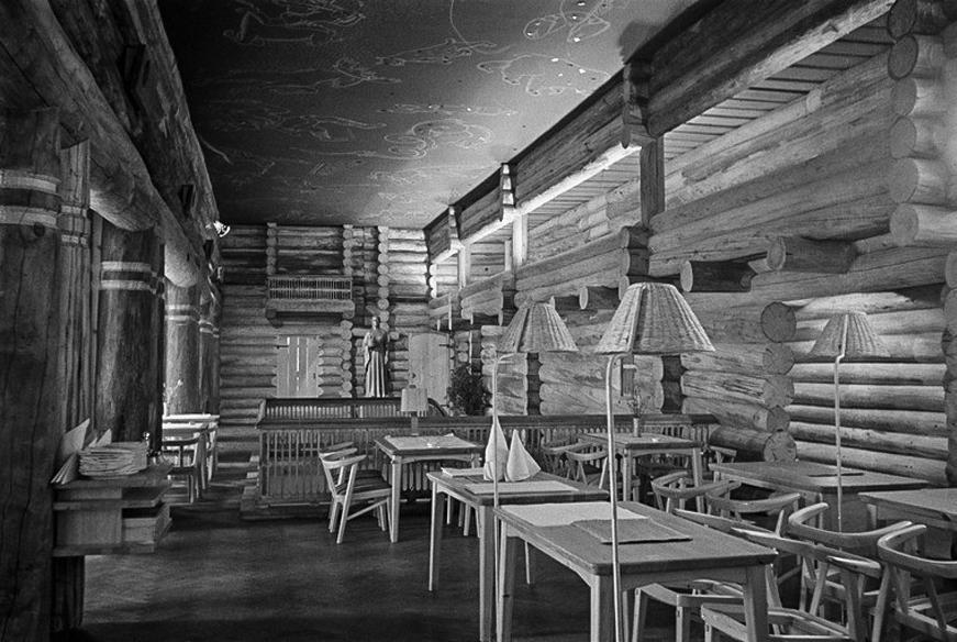 The upper hall, Louhen Piha, 1946. Image copyright by Helsingin Kaupunginmuseo.
