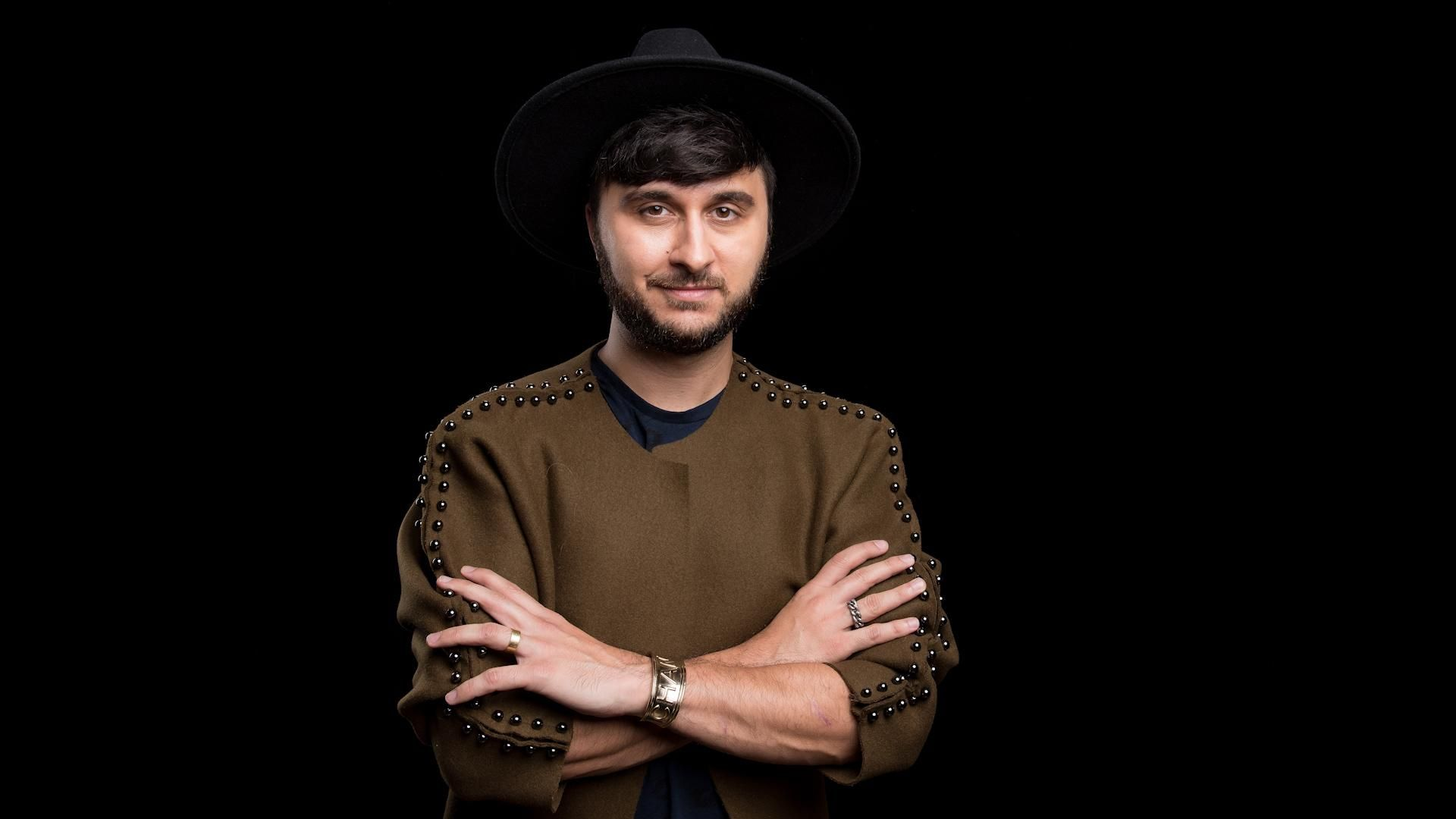 Brad Walsh – Singer and Music Producer