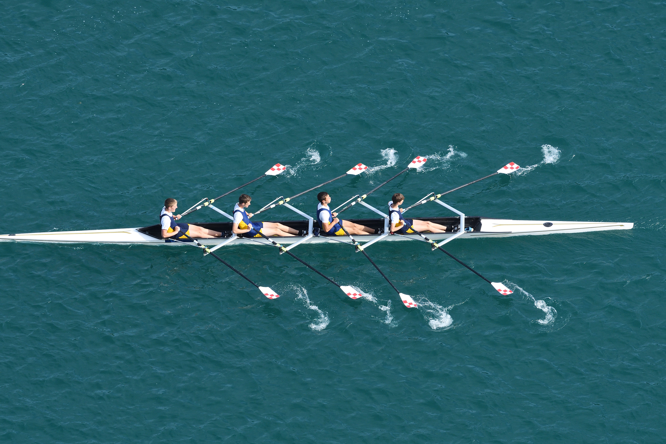 Rowing_iStock-881763502.jpg