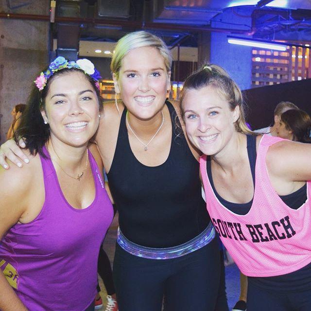 We're about being happy and healthy 💪🏻😎 #yoga #yogini #yogaclass #yogaeveryday #yogalife #meditation #iloveyoga #fitness #yogateacher #mindfulness #iloveyoga #strong #yogaeverydamnday #yogachallenge #mindfulnessmeditation #sensorymeditation #charteredaccountant  #meditationmonday #mondaymind #mondaymindset #mondayminds #surpriseyoga #fitnessaddict #fitnessmotivation #fit #sydney #healthyliving #healthylifestyle  #corporateyoga #corporatemeditation