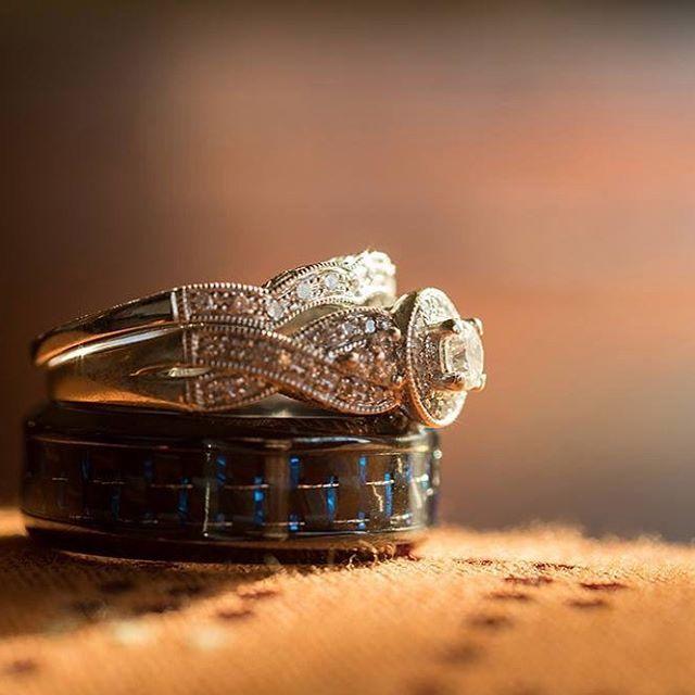 #weddingrings #ringshot #weddingphotography #kansascityweddings #bartelandwendlingphotography