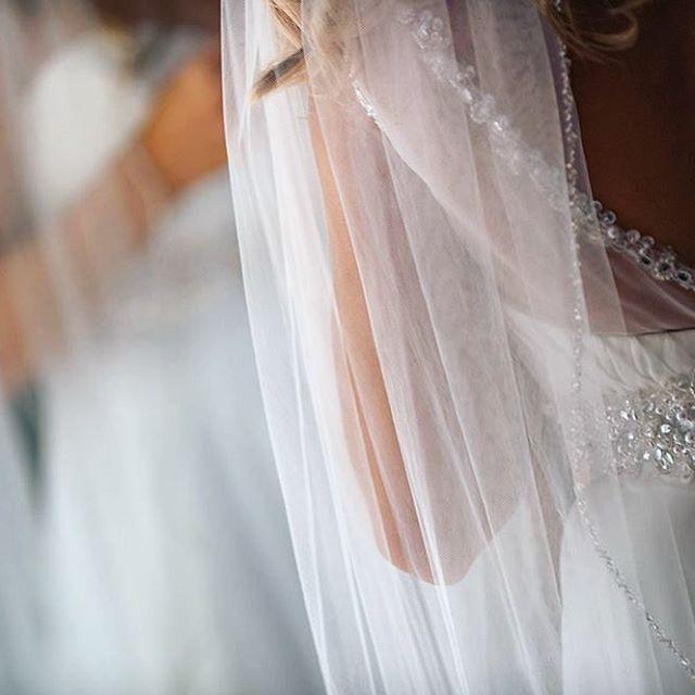 #weddingmoments #weddingdress ##weddingdetails #kansasweddingphotographer #kansascityweddings #bartelandwendlingphotography