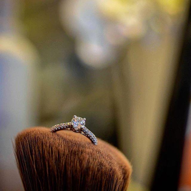 #weddingring #weddingdetails #rings #weddingday #weddingmoments #wichitaphotographer #kansascityweddings #bartelandwendlingphotography
