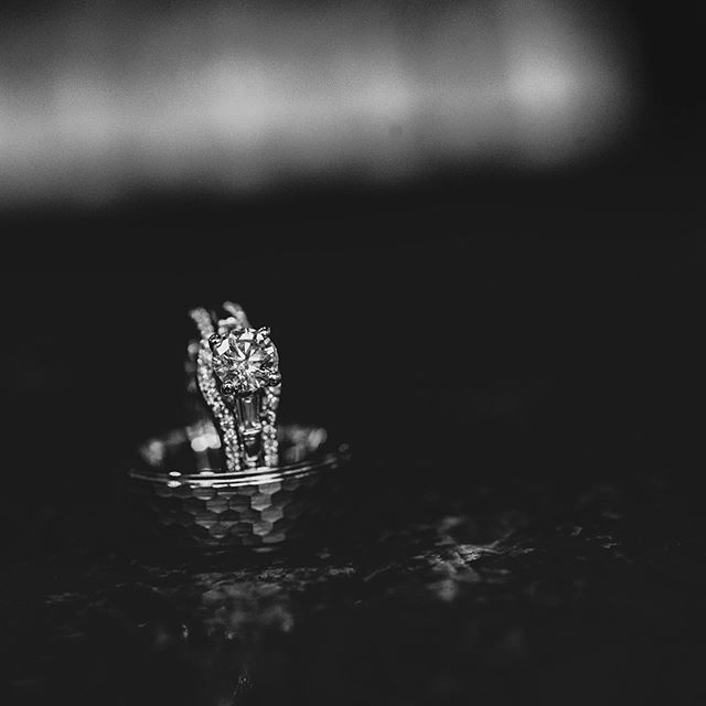 #weddingdetails #weddingrings #weddingring #kansascityweddingphotographer #arkansasweddingphotographer #wichitaphotographer #bartelandwendlingphotography
