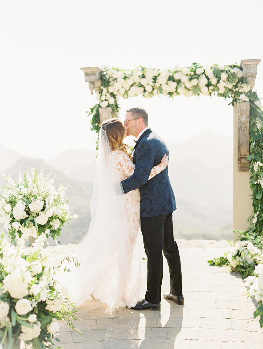 SALLY PINERA_MALIBU ROCKY OAKS WEDDING PHOTOGRAPHY_MALIBU_MARISSA AND PAUL-357.jpg