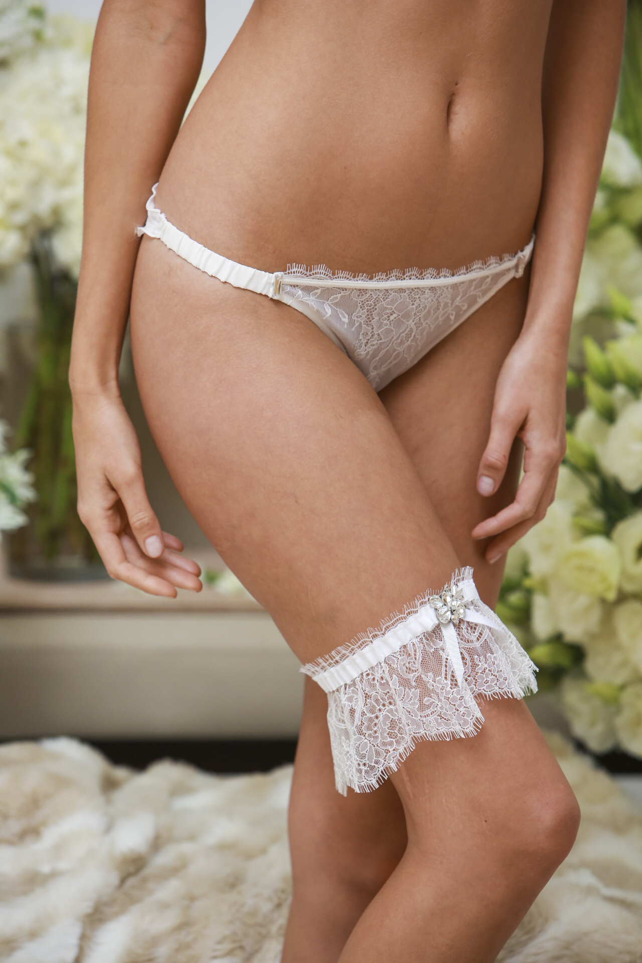 adornlessdessous_weddingluxuriouslacegarterandlingerie