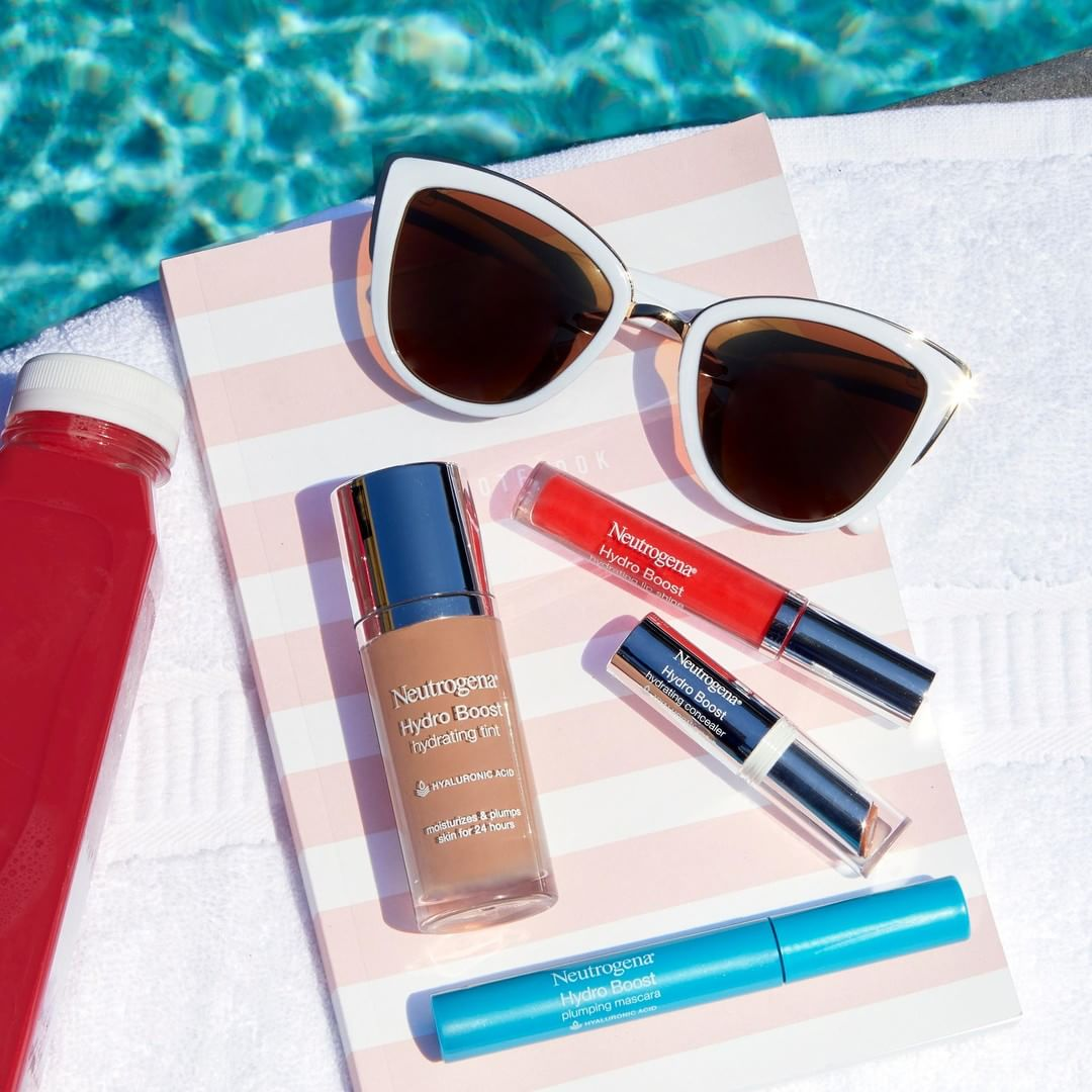 Poolside refreshments. With skin-quenching hyaluronic acid, these products instantly hydrate and plump.💧