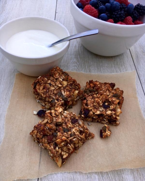 Nutty Granola Bars with Bio-live Yoghurt and Berries
