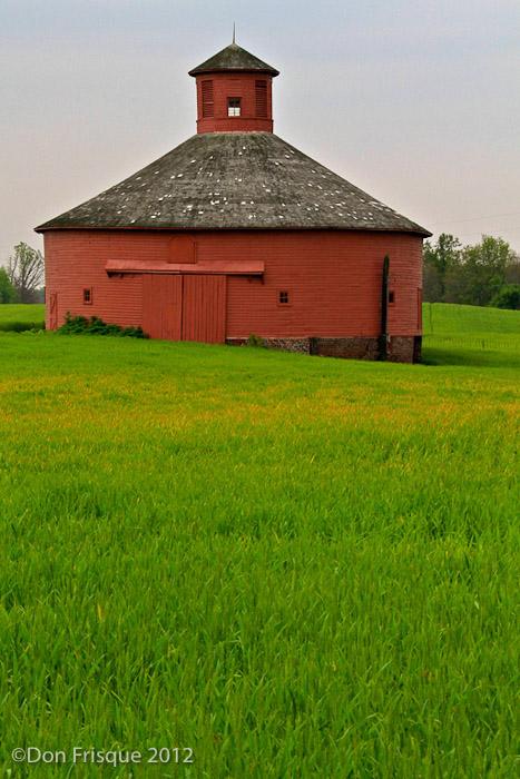 Old_Round_Barn.jpg