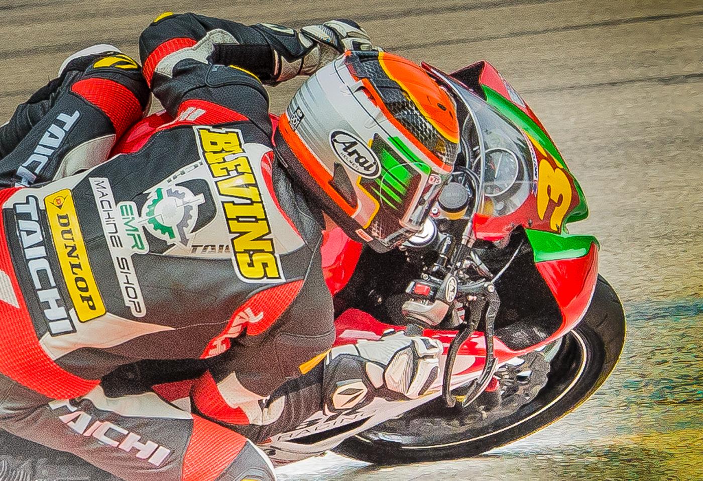 32 Racer Closeup.jpg