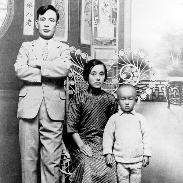 Jung Jung Hwa smuggled herself to Shanghai when her father-in-law and husband left her behind in an occupied country. She spent 26 years evading Imperial Japanese surveillance to raise funds for the Korean government in exile. We often hear about the freedom fighting men, but it was the effort of women like Jung Jung Hwa that made the struggle possible.  If you'd like to read more about her the link is in my bio. #internationalwomensday