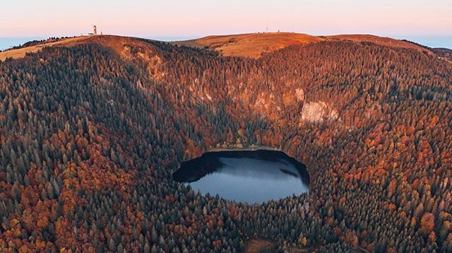 Everything has beauty, but not everyone sees it. #dronephotography #naturephotography #nature #love #passion #feldberg #bfc #blackforest #blackforestcollective #lake #forest #beautiful #nature #naturelovers #adventuretime #sunrise #passion #photography