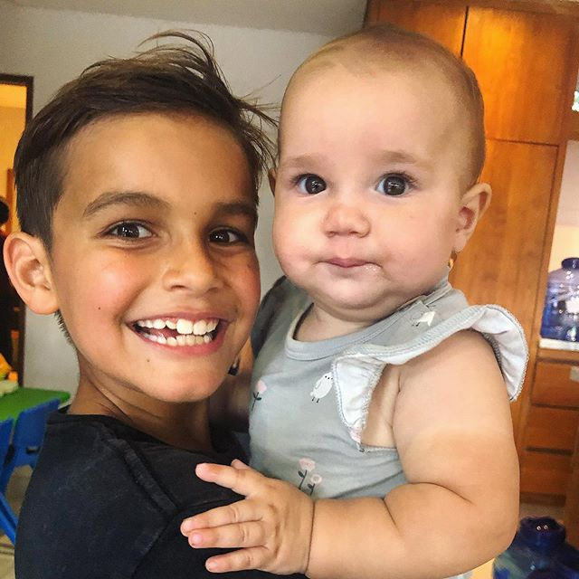 My two favourite faces... 🥰 . . . . 📷 @jodiemariew #brotherandsister #ryderandlucky #myloves #family #lovethem #bbls #bodybyleahsimmons