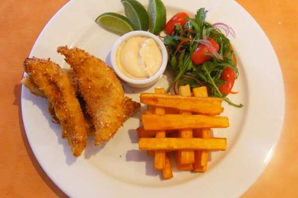 Flathead fillets in coconut & sesame crumbs with sweet potato chips