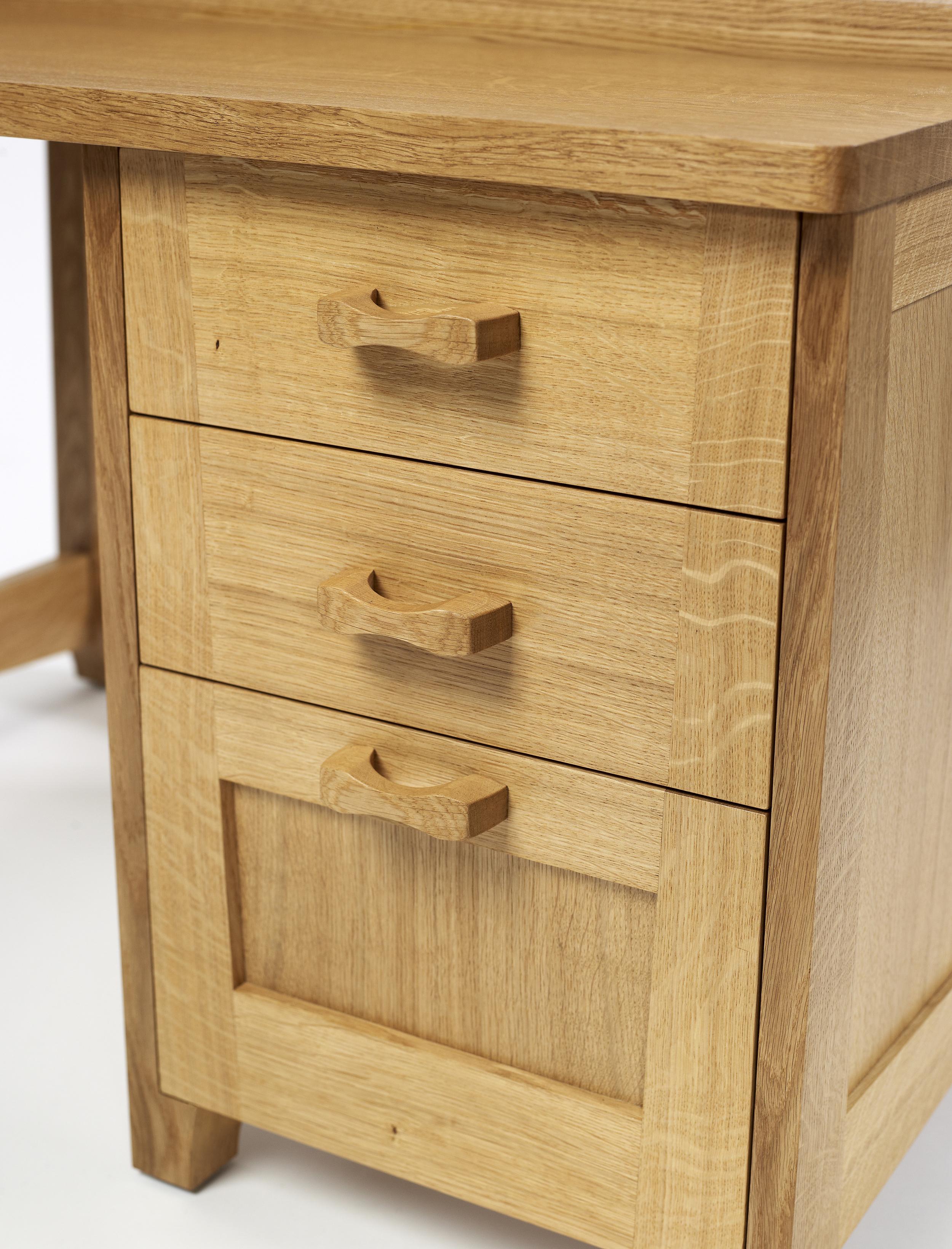 Oak desk (2).jpg