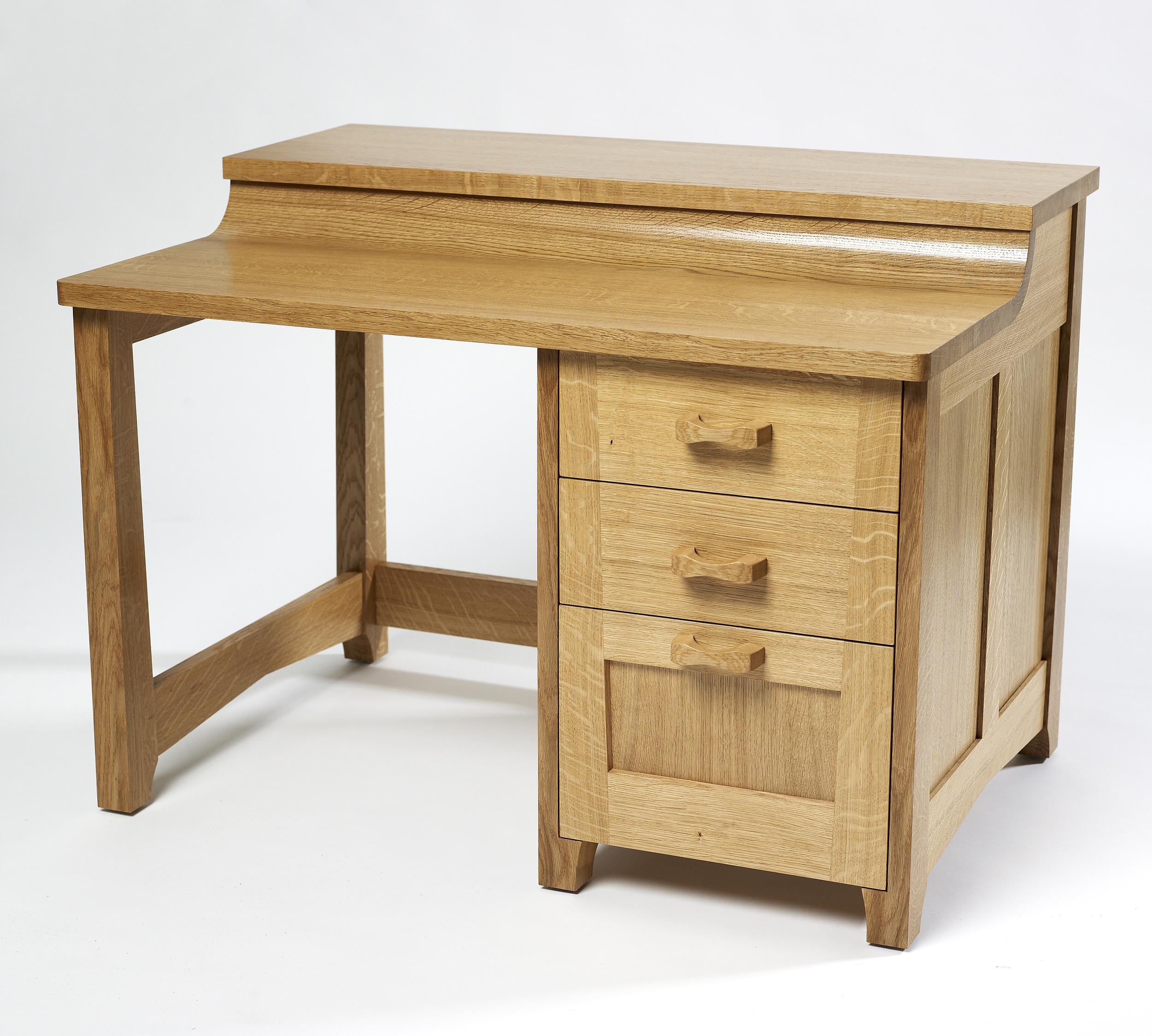 Oak desk (1).jpg