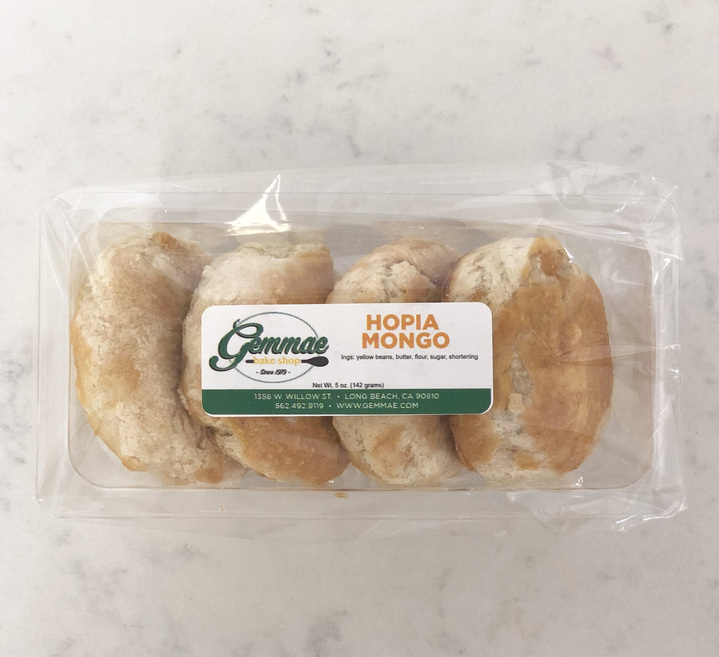 HOPIA MONGO   Flaky puff pastry filled with rich Mongo (sweetened yellow bean). Each pack contains 4 hopia buns.