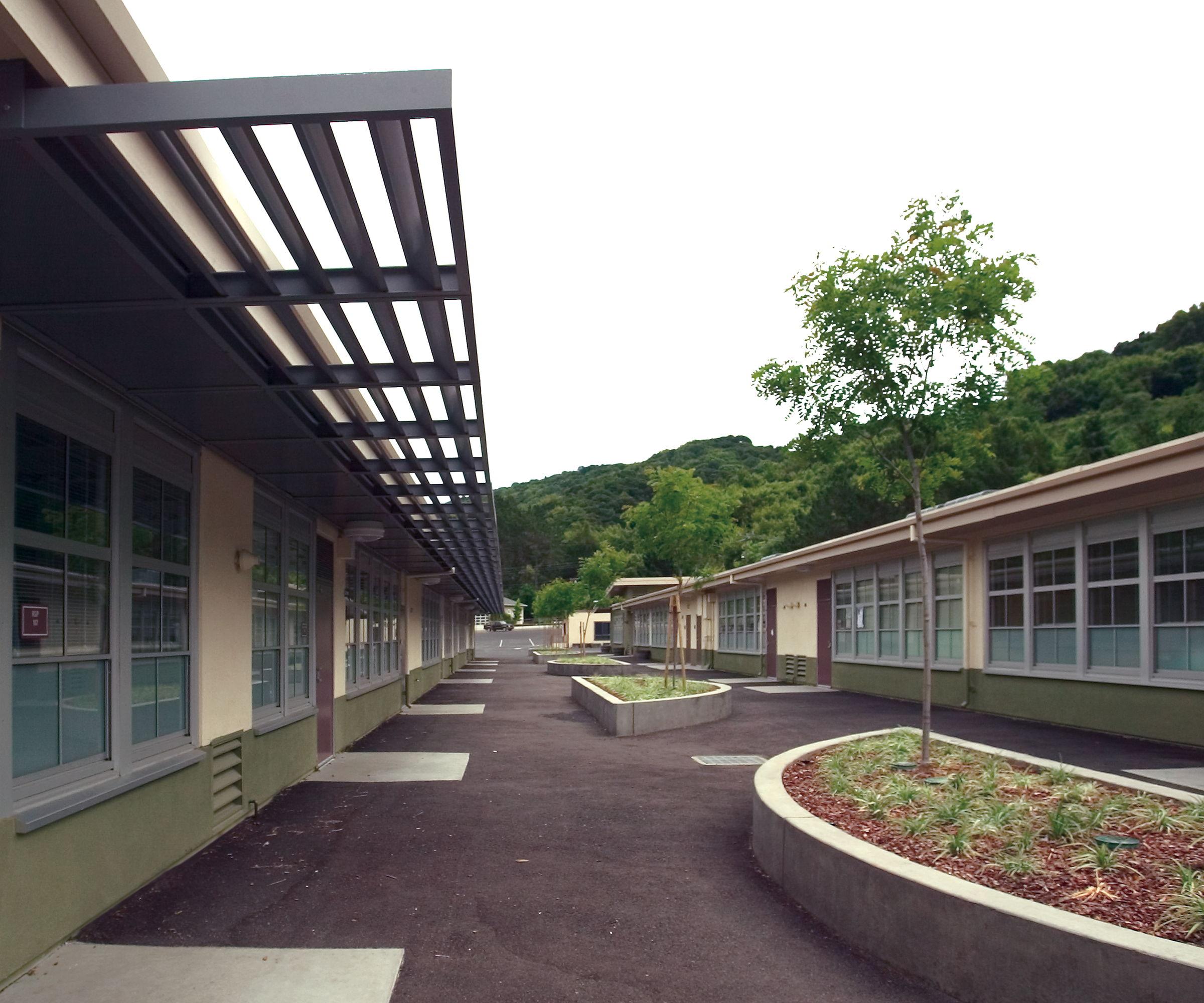Outdoor space between classroom wings