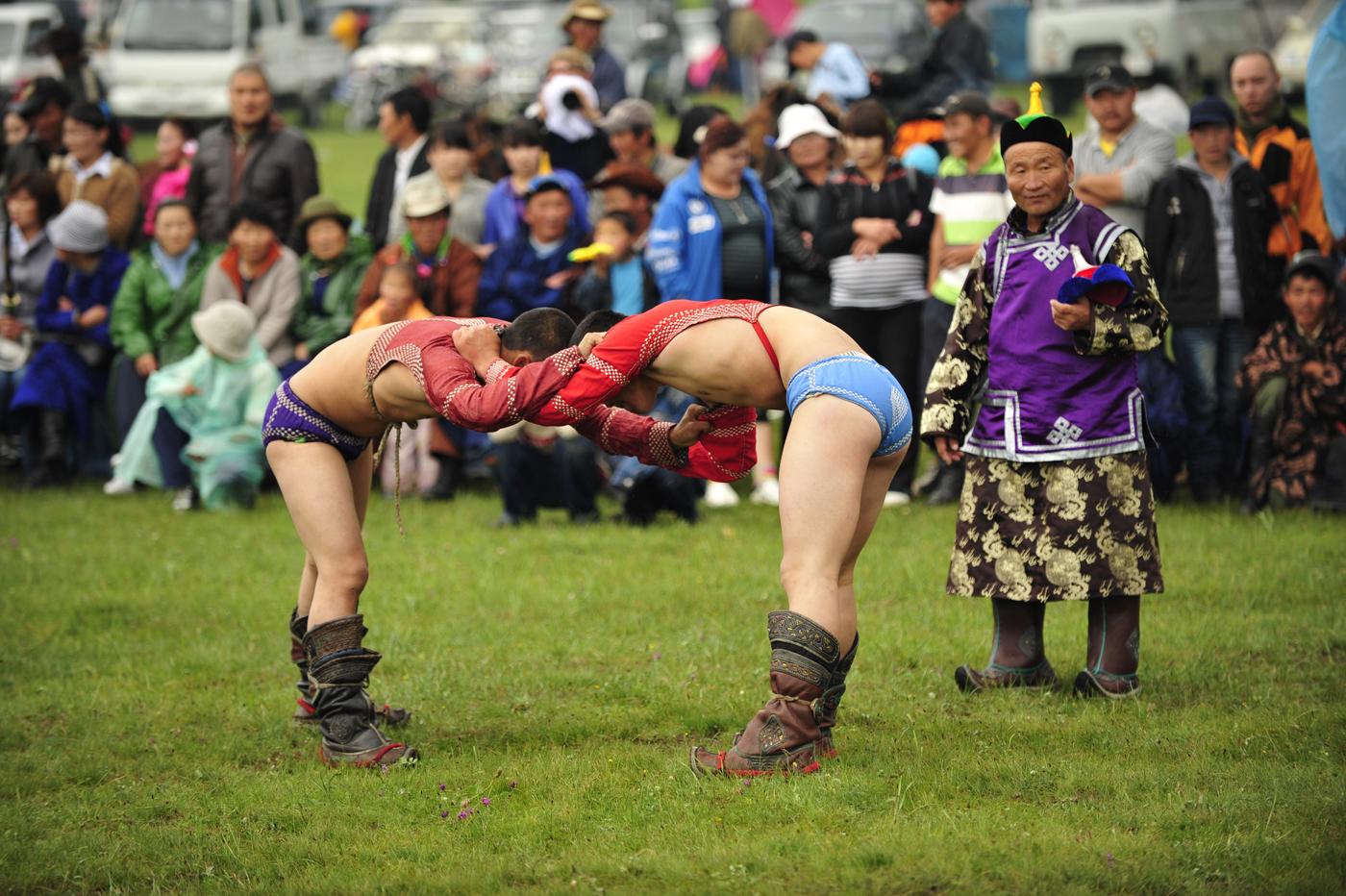 Mongoliawrestling.jpg