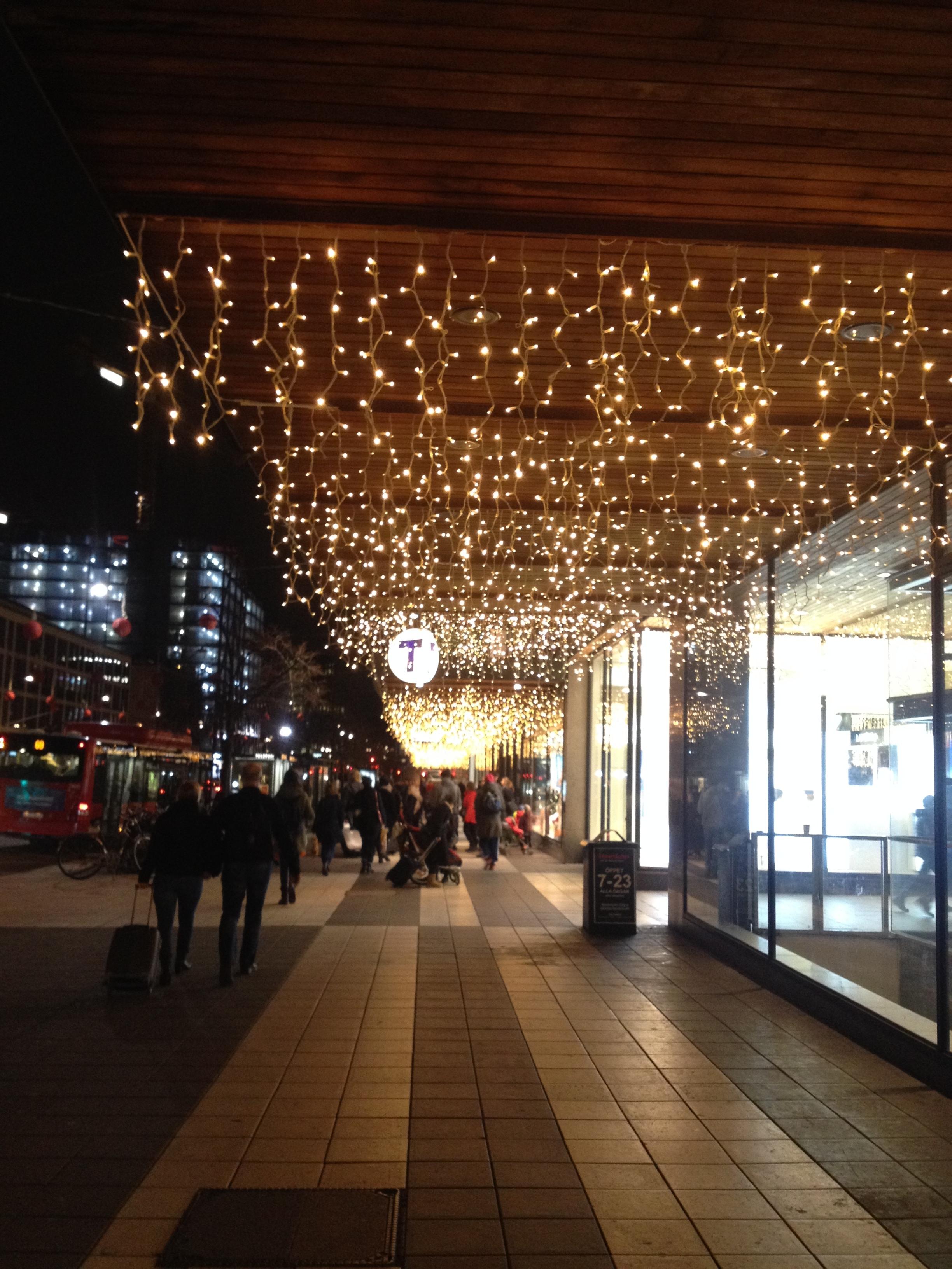 Walkway Lights | Tall GIrl Meets World