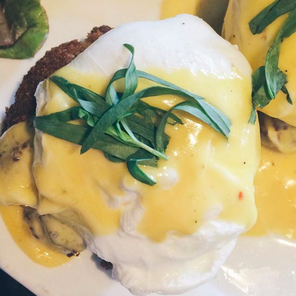 Crab Benedict from Harbord House | Tall Girl Meets World