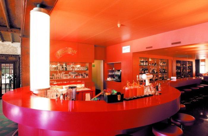 Rote Bar.jpg