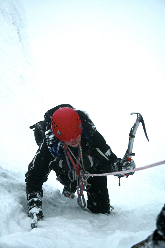 climbing-the-cairngorms-in-winter