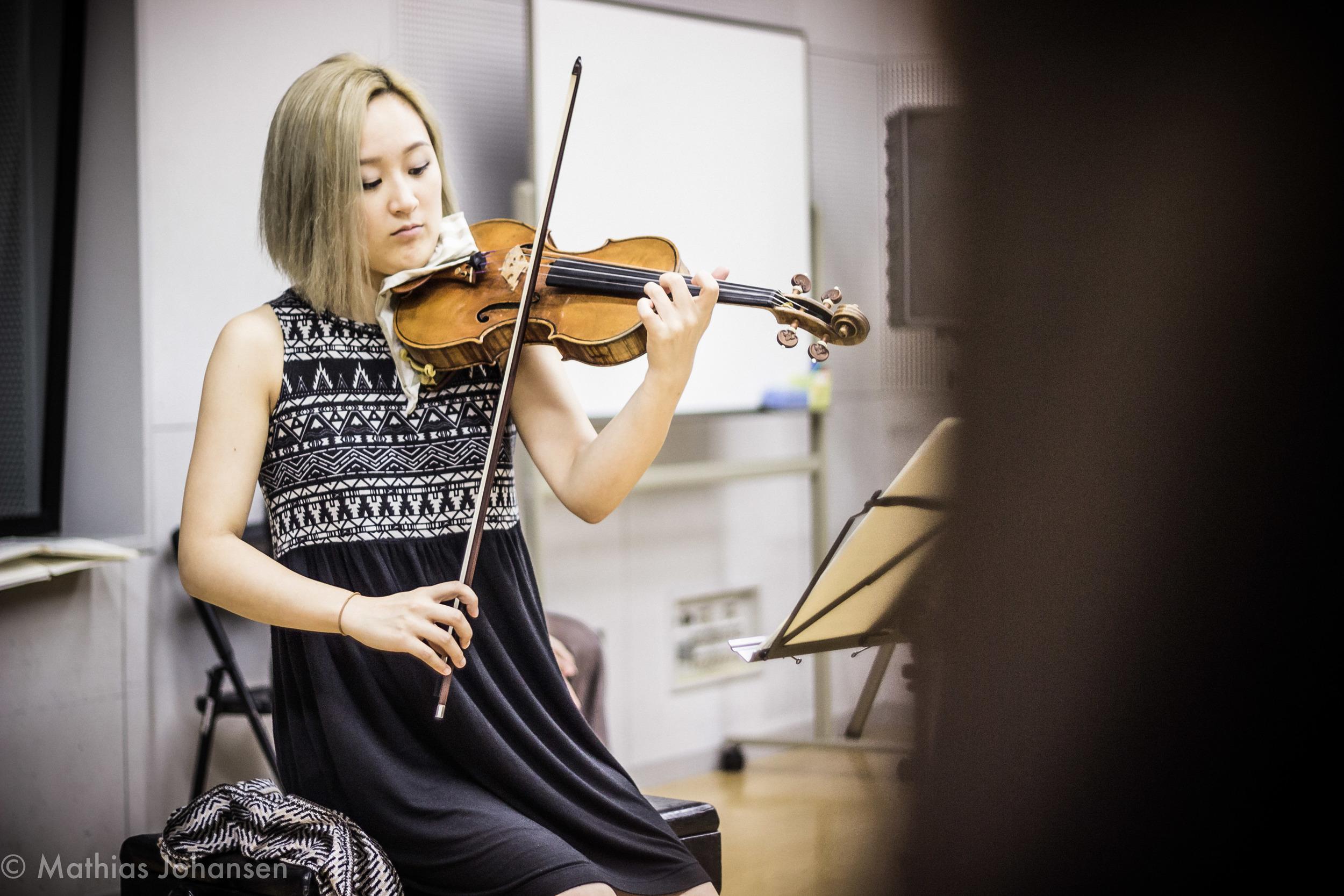 Beautiful Violin playing