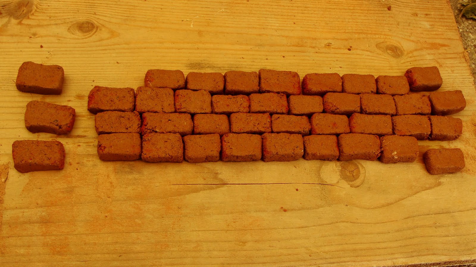 2 cm bricks !  Cute, aren't they?