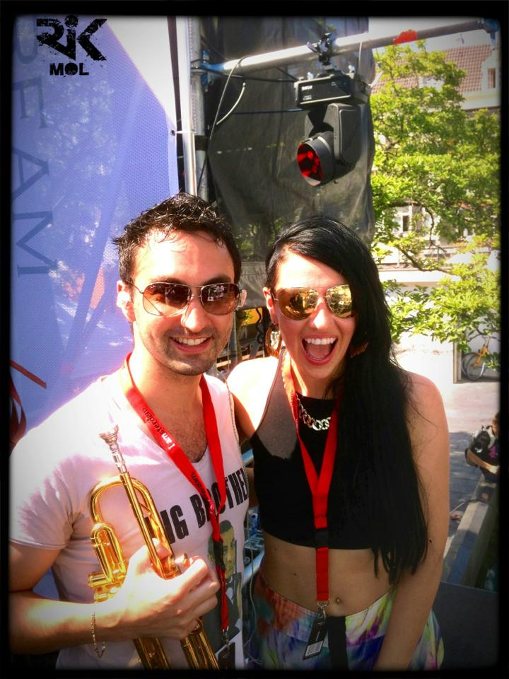 Rik en Tara McDonald on tour .jpg