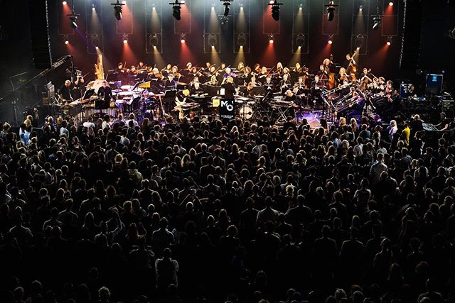 The music of @Sohn is definitely going in my Spotify playlist. 🎧 I enjoyed playing with them at the opening show of #ade. #metropoleorkest #amsterdam #crowd #chill #chillmusic pic by Reinout Bos