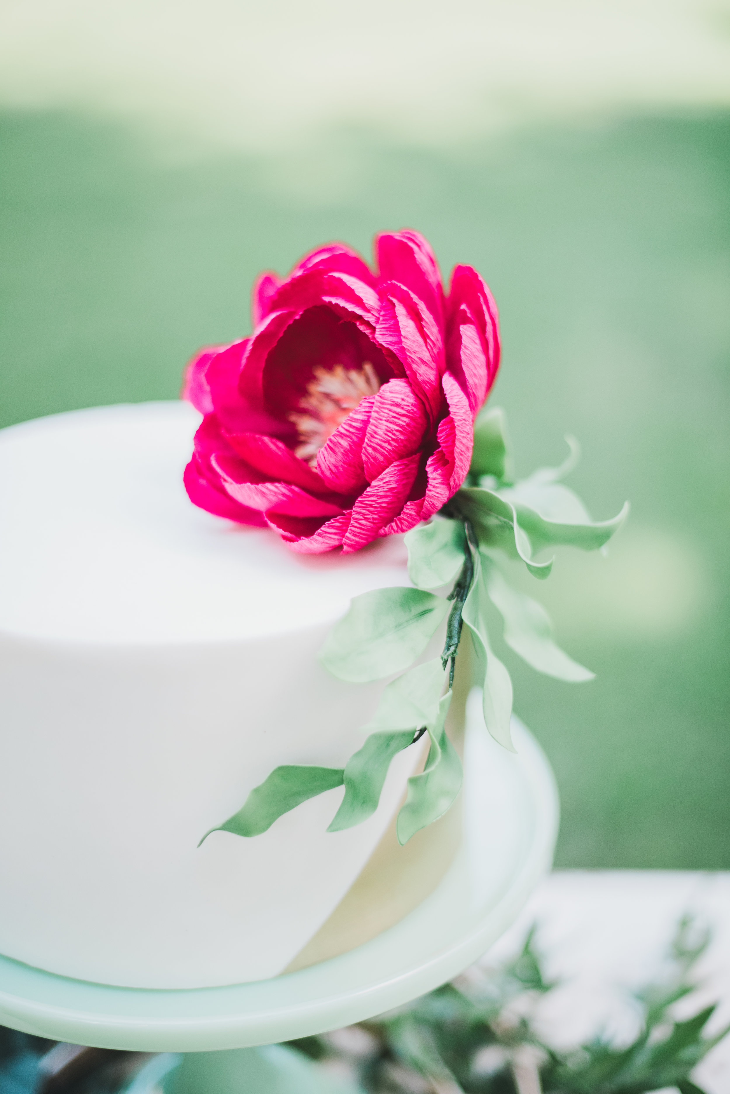 Elegant Garden Wedding Photo Shoot: wedding cake