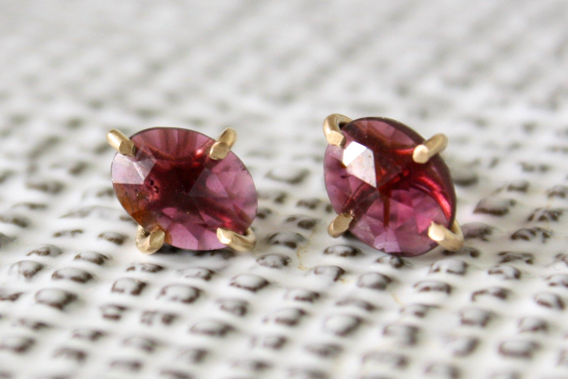 garnet_earrings2