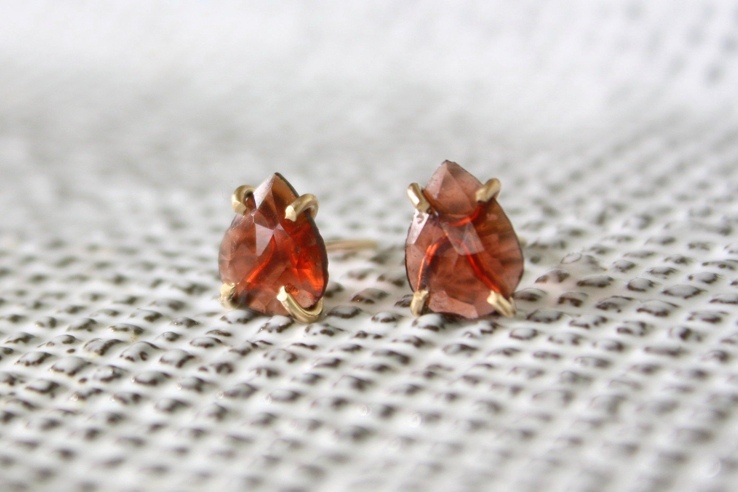 garnet_earrings1